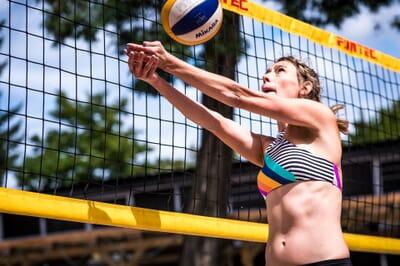 Guest post: Fashion blogger Eva on her favorite beach volleyball bikinis