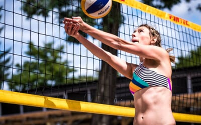 Guest post: Fashion blogger Eva on her favorite beach volleyball bikinis